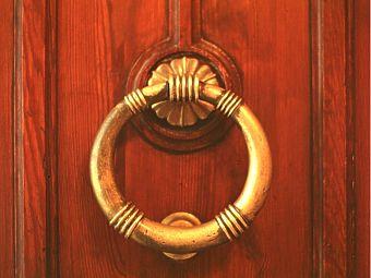 Benvenuti ricomincio da qui - Batacchio porta ...